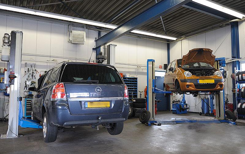 Garage van der Wiel's autobedrijf